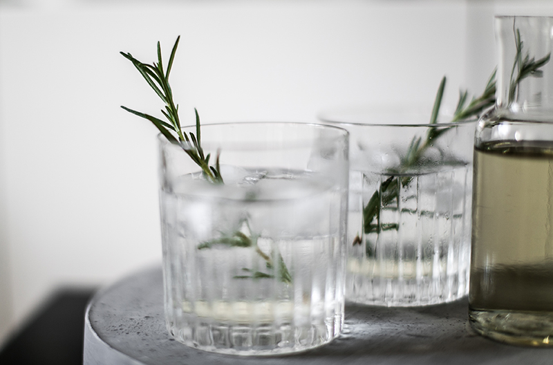 selbstgemachter rosmarin sirup gin tonic worry about it later food blog vienna